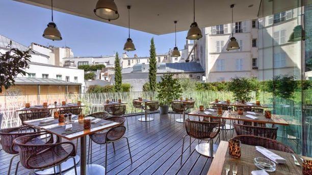 Makassar Hotel Renaissance Arc De Triomphe Vue De La Terrasse