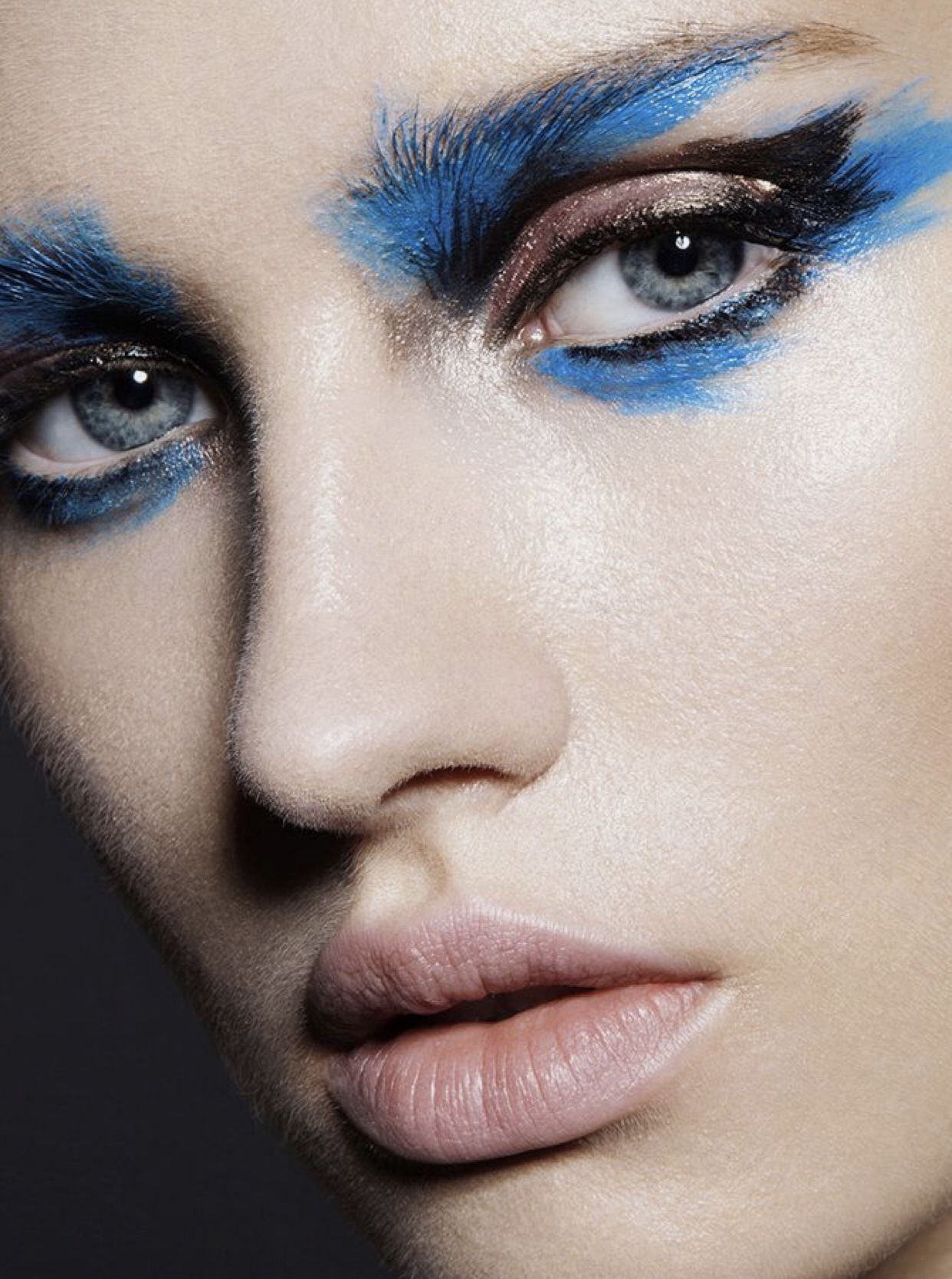 High Fashion Makeup In 2020 High Fashion Makeup Editorial Fashion Editorial Makeup Artistry Makeup