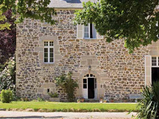 Un manoir transformé en chambre du0027hôtes à Villeneuve - Reportage