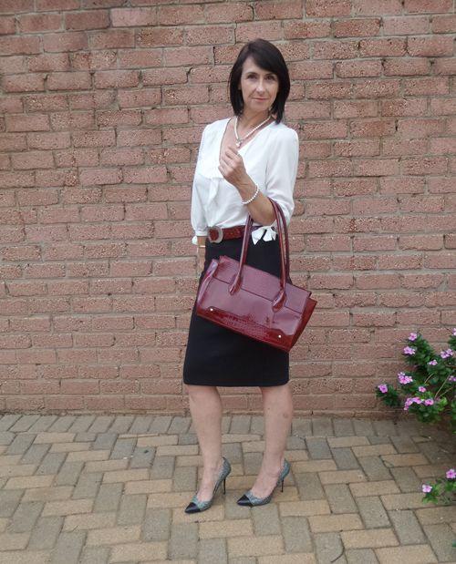 Pencil skirt, heels