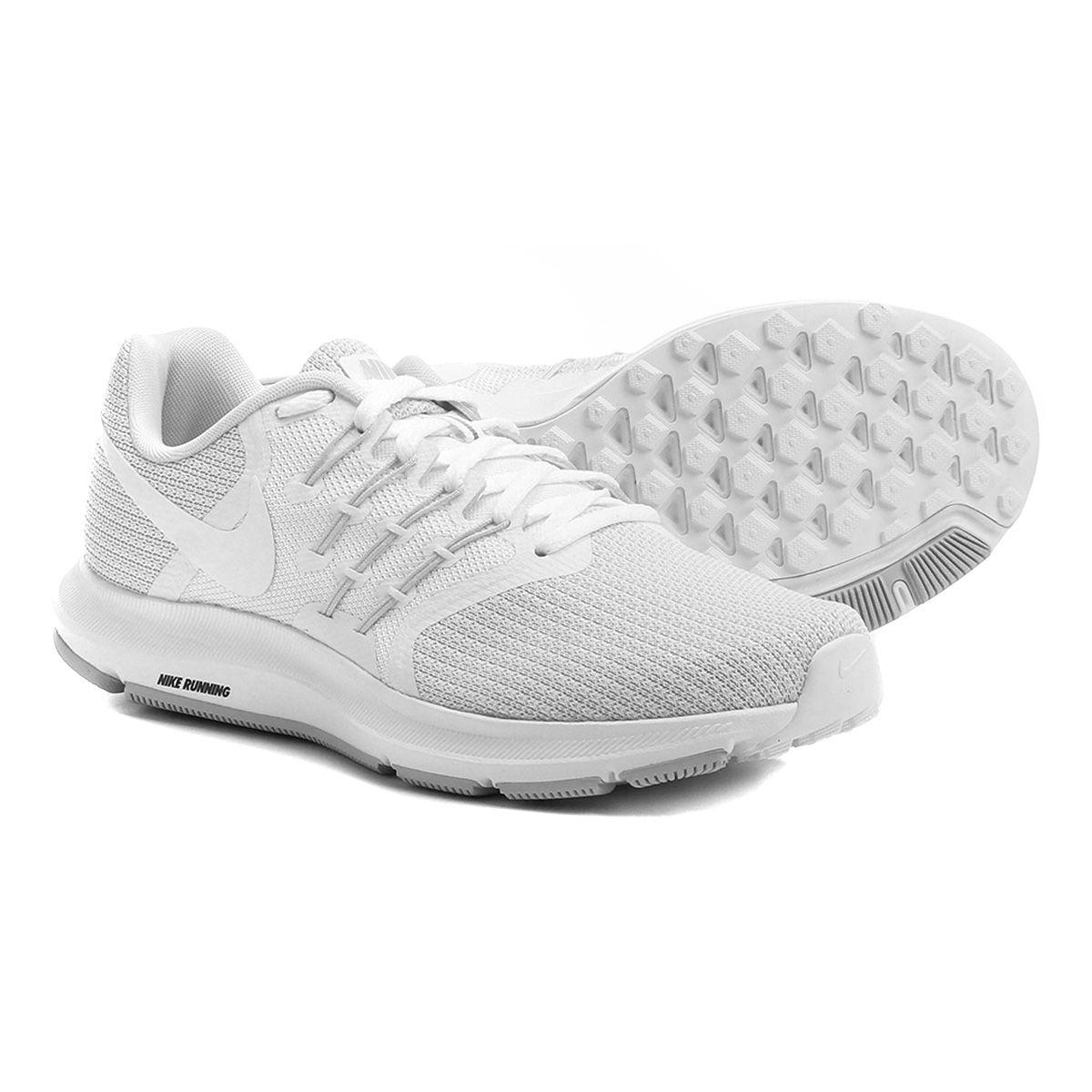 Tênis Nike Run Swift Feminino Preto e Branco  c039ae77960c1