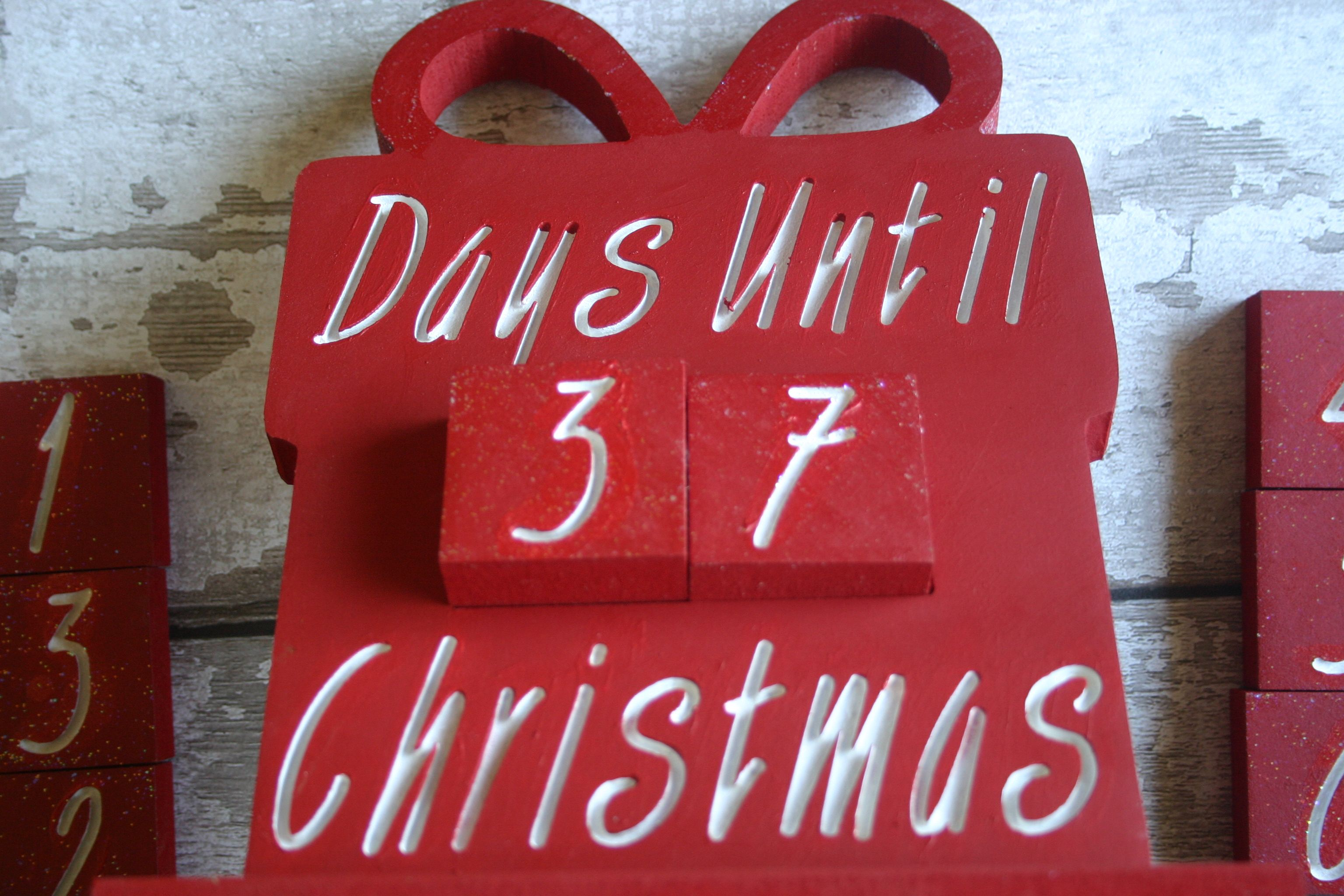8mm Freestanding \'Days Until Christmas\' Large Present Countdown with ...
