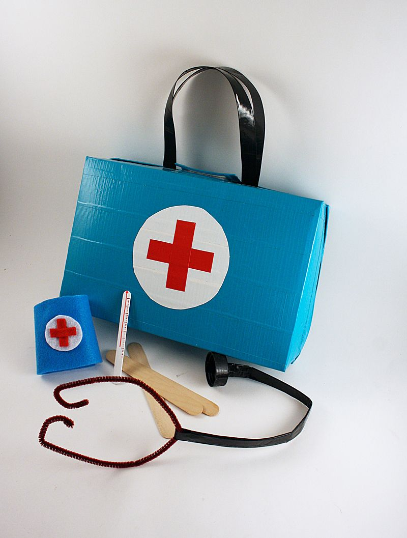 Make It: Cereal Box Doctor's Kit - Tutorial (made from a cereal box!) #kids