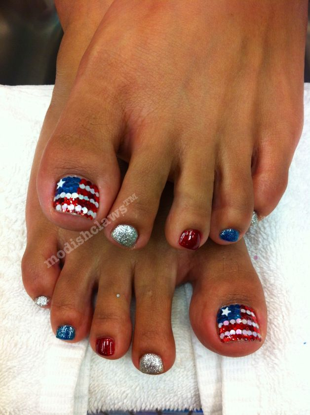 4th Of July Pedicure Red White And Blue Stripes And Star Sparkles By Keenly Kristin Toe Nail Designs Toe Nails Cute Nails