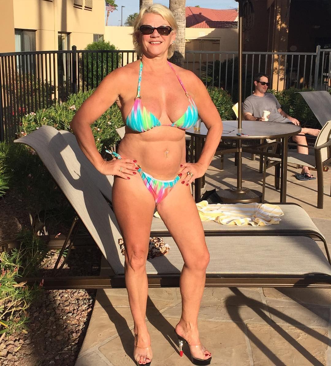 bikini cougars