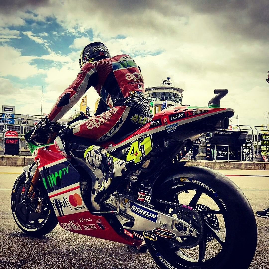 Pin by Billy Tompkins on MotoGP   Motogp, Rider, Pictures