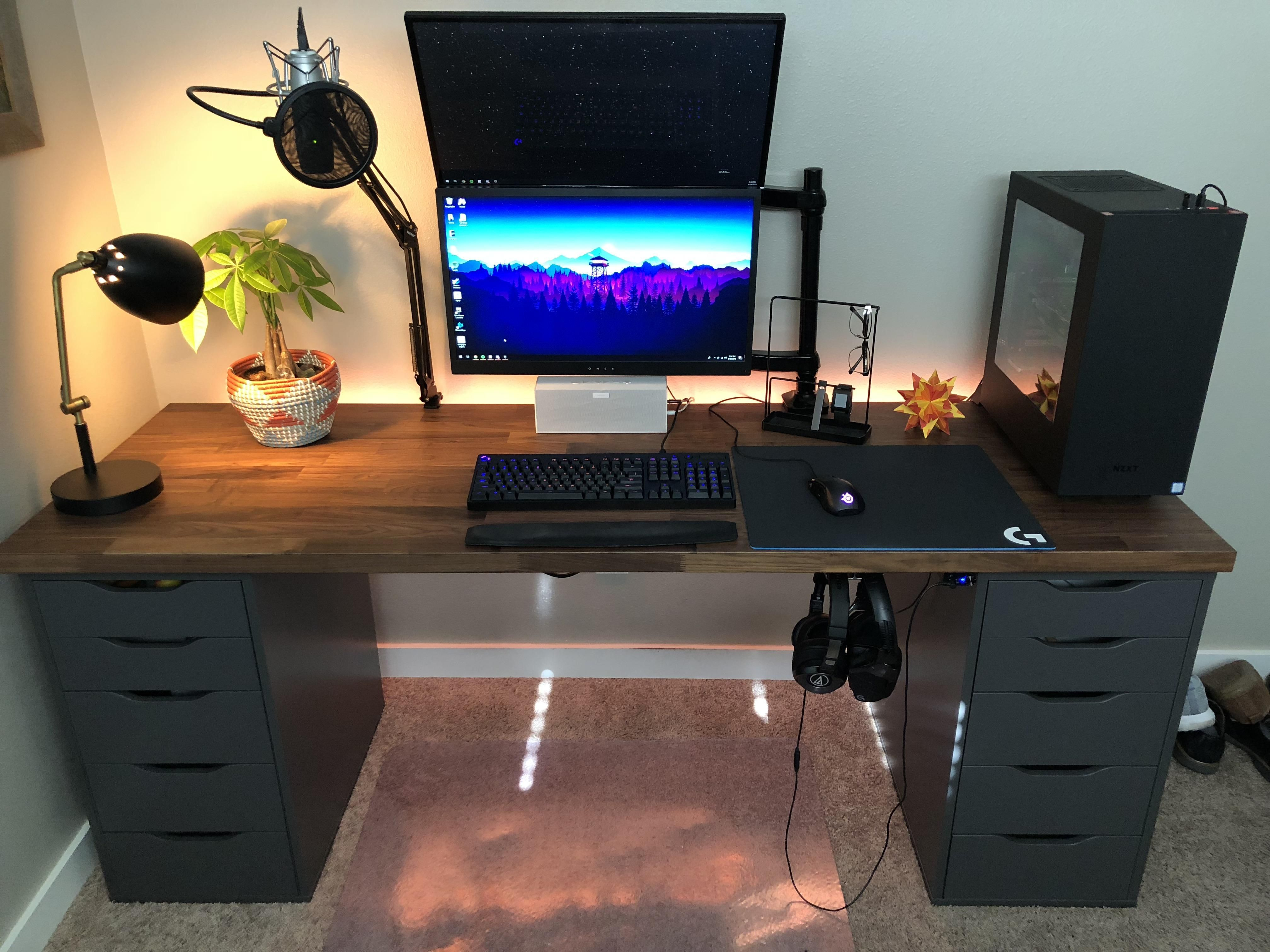 Video Game Room Ideas Find Your Dream Room Here Gaming Room Setup Home Office Setup Game Room Design