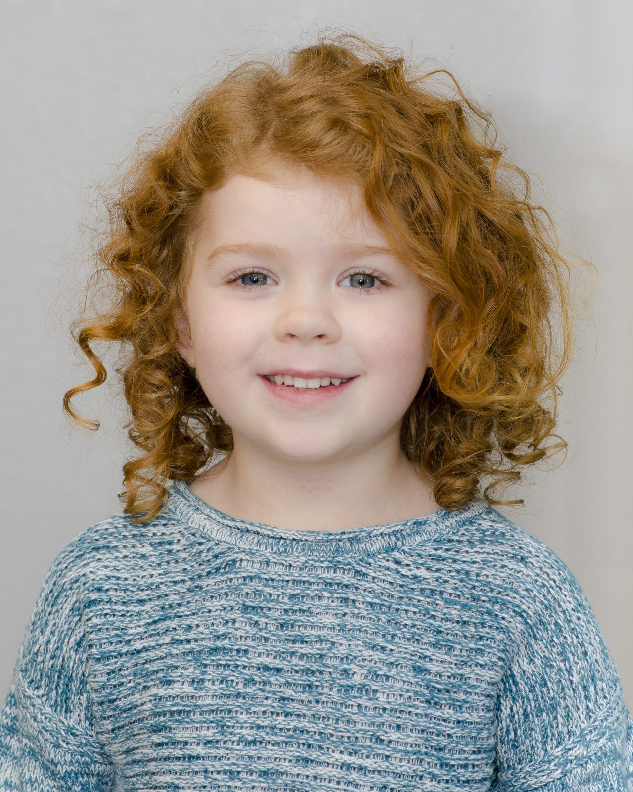 Everyday hairstyles for your kid with curly hair with