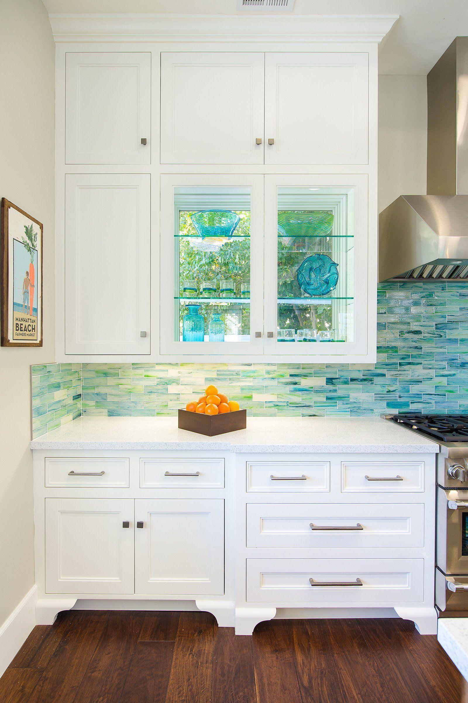 Blue Coastal Dream Ideas For A Unique Beach Design Beach House Tours In 2020 Beach House Kitchens Beach House Living Room Dream Beach Houses