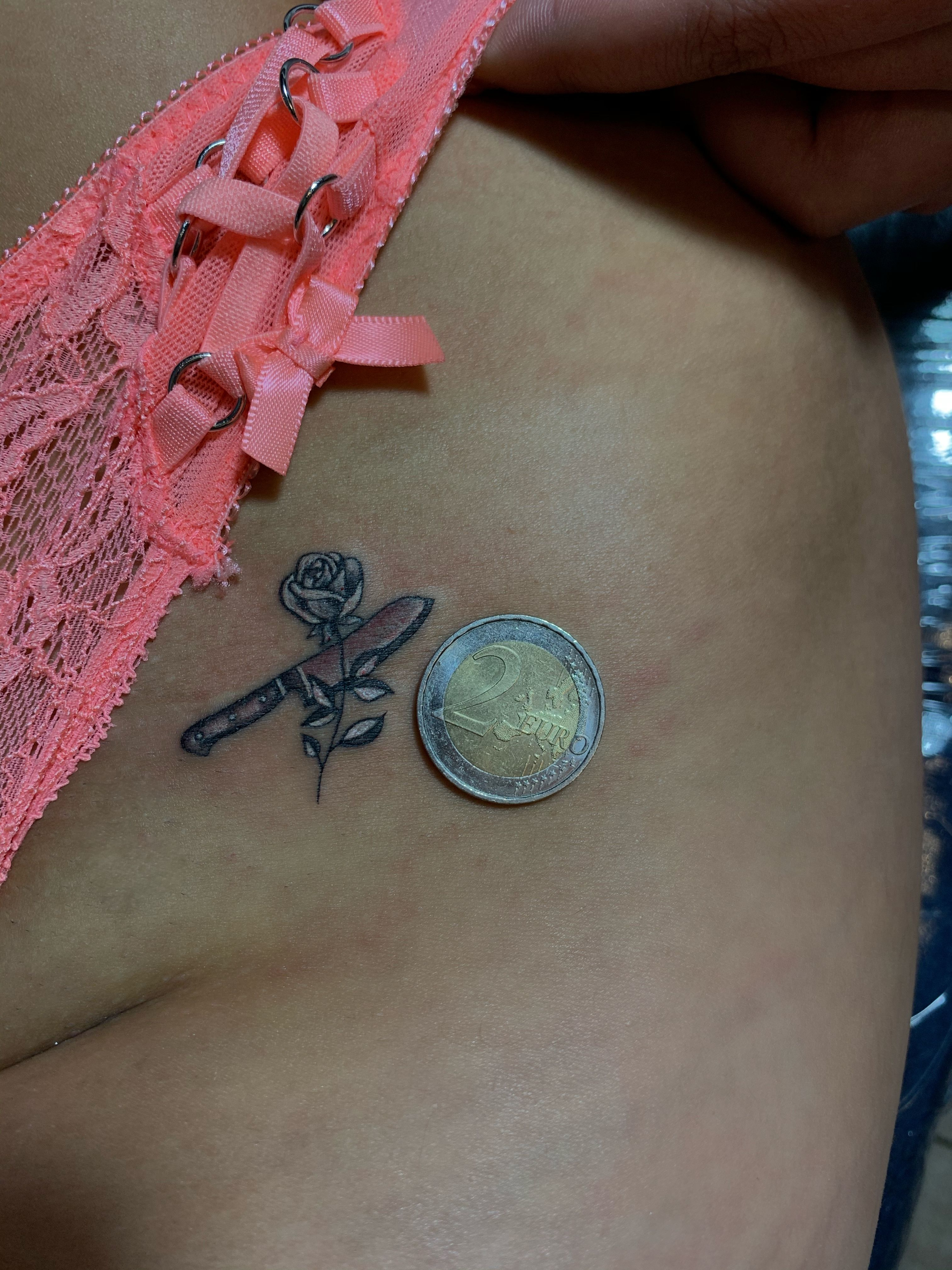 Tattoos bilder intim frau Intim