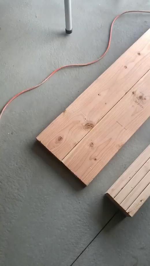 Easy $25 DIY Entryway Bench - @Kristinjonesy