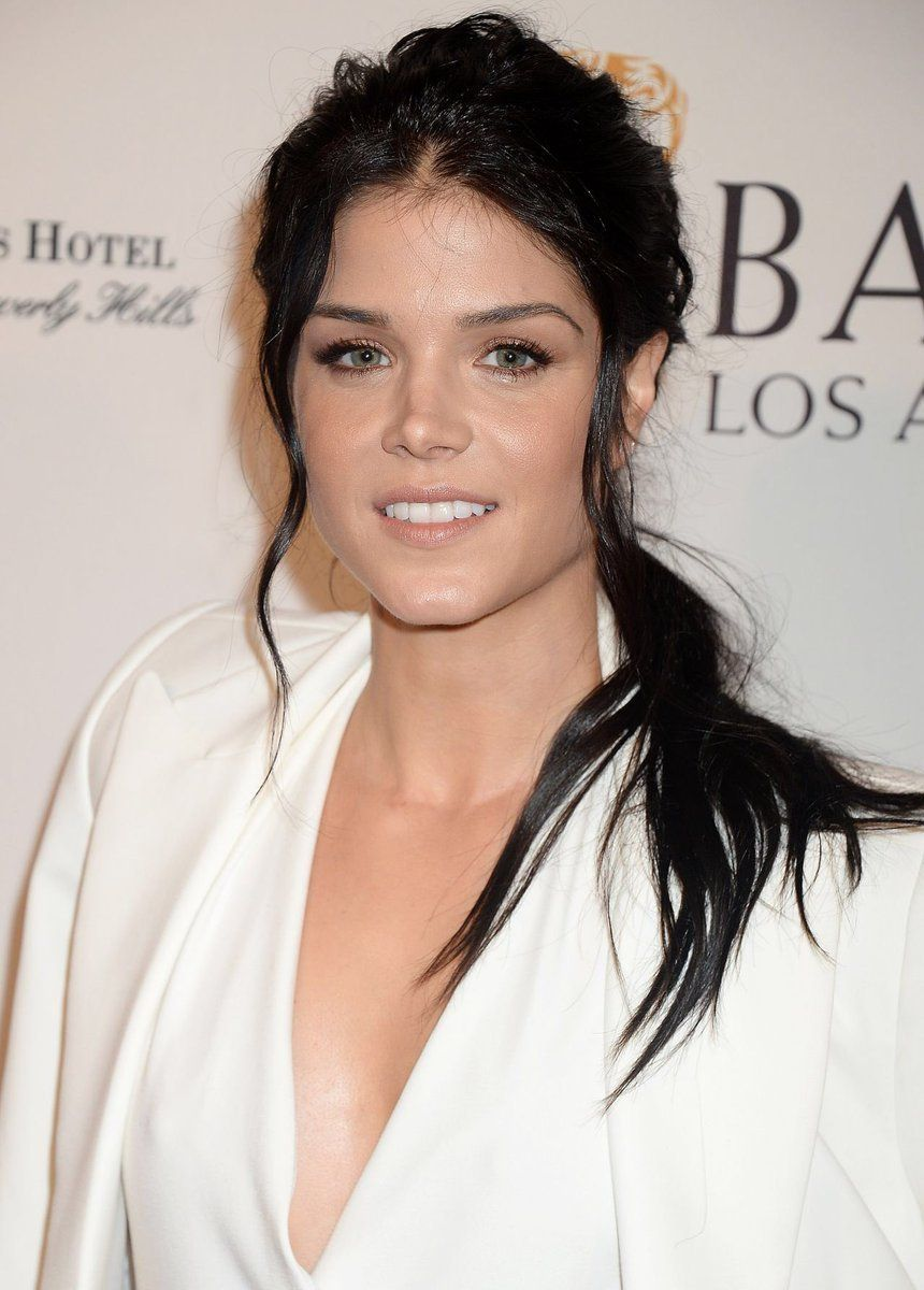 photo Marie Avgeropoulos