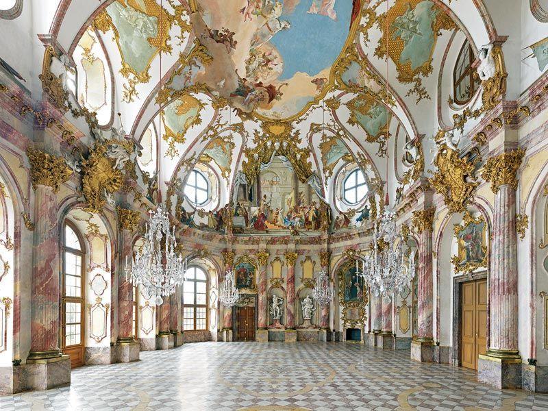 Balthasar Neumann Kaisersaal Frescos De G B Tiepolo En El Techo Barocke Architektur Konzeptzeichnungen Architektur Aquarell Architektur