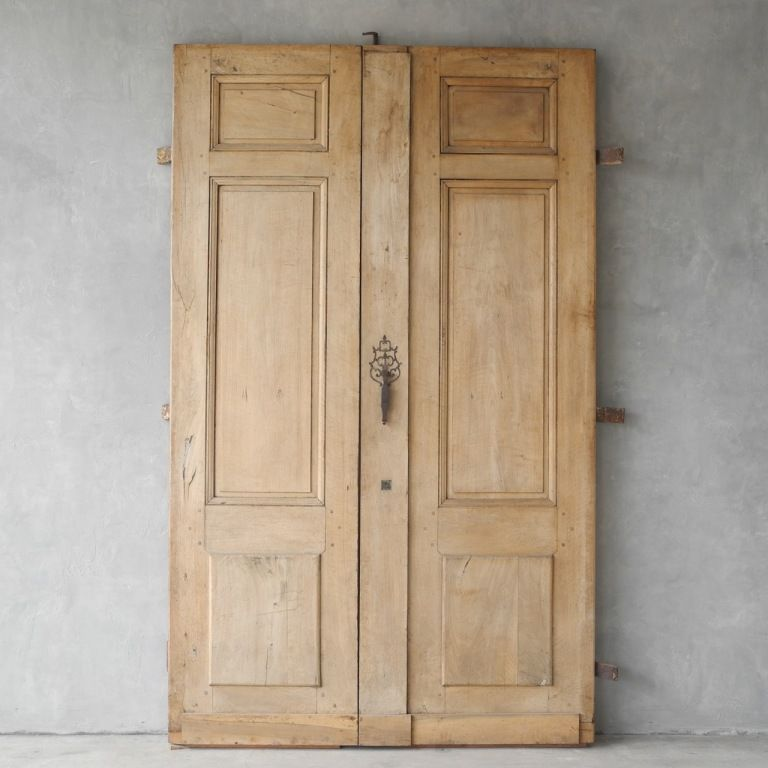 Pair of Antique 19th Century Entrance Doors from Avignon, France |  1stdibs.com - Pair Of Antique 19th Century Entrance Doors From Avignon, France