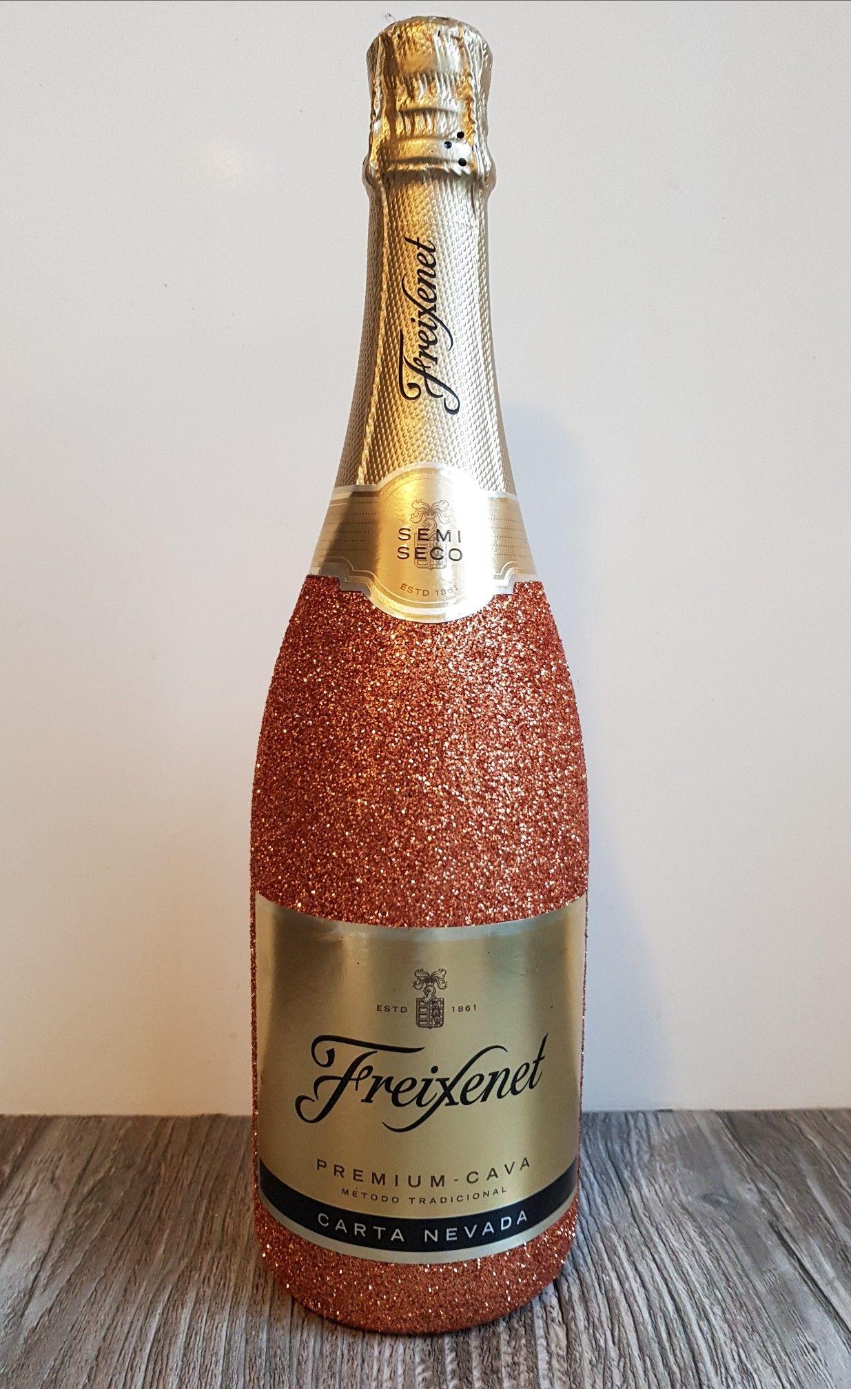 Onwijs Glitter bottle cava freixenet | Greg birthday | Diy wine glasses SG-36