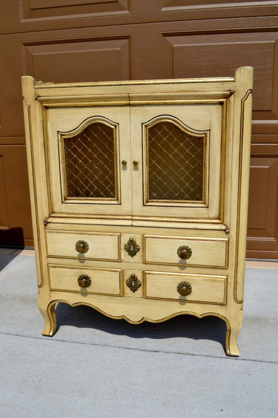 John Widdi b Vintage French Provincial Pair of Nightstands in