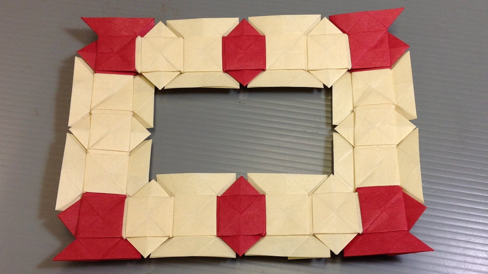 How To Make Your Own Origami Christmas Modular Frame Using