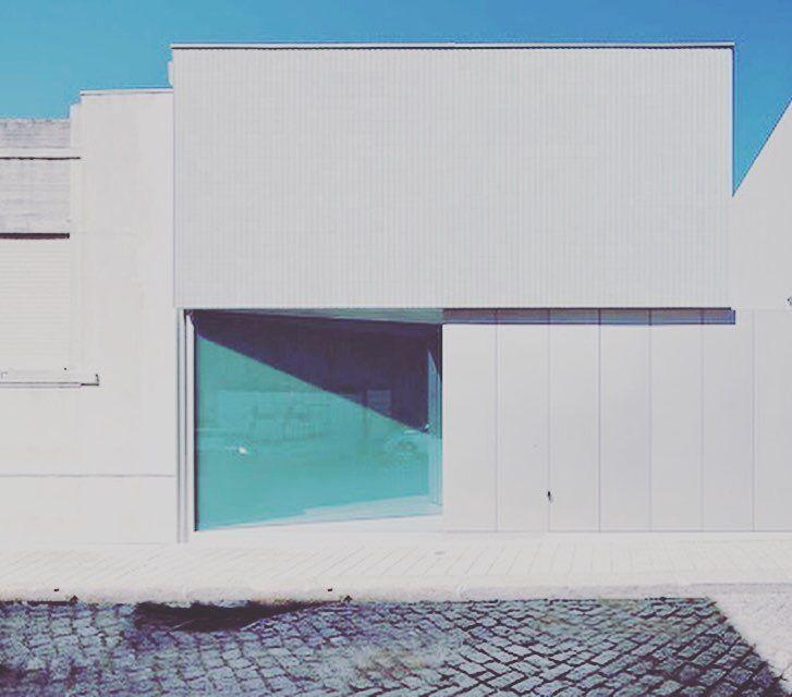 House Ricardo Pinto Porto - CorreiaRagazzi Architects (2012). Photo by Luis Ferreira Alves by minimaliststudios http://bit.ly/AdventureAustralia