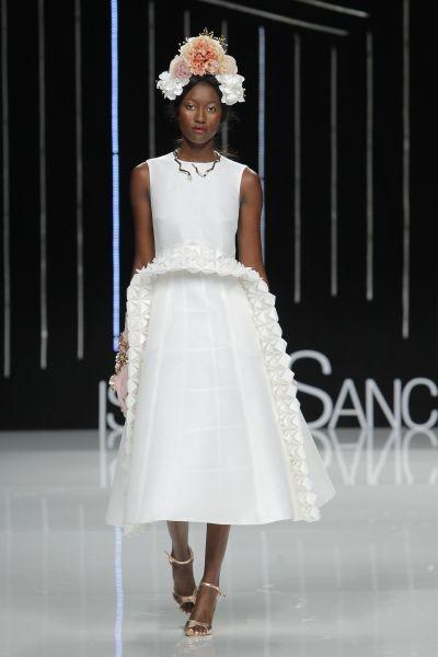 Ein Hoch auf kurze Brautkleider – ob für das Standesamt oder die ...