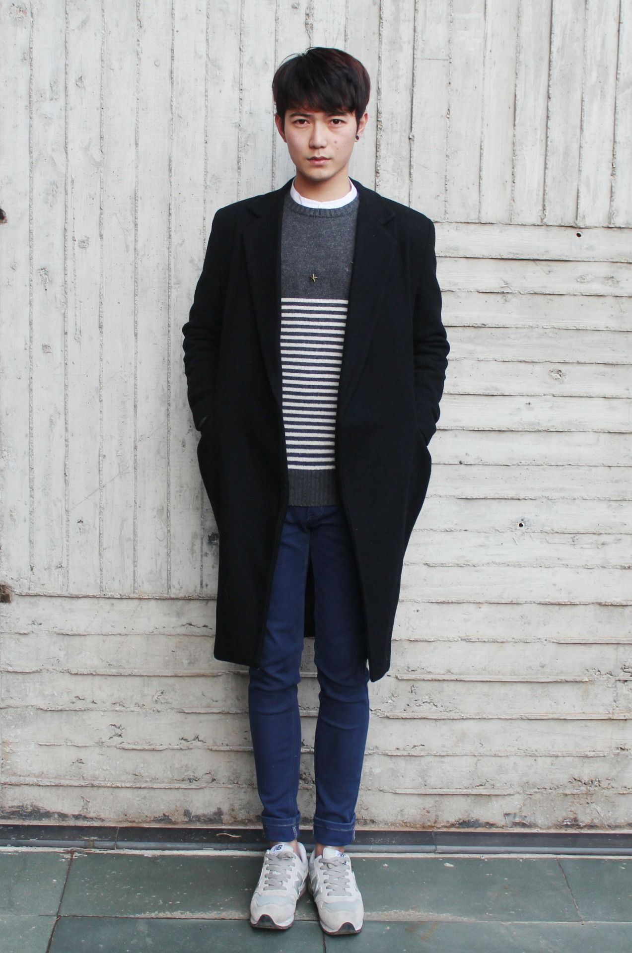 Simple look - oversize coat, striped sweater, skinny jeans ...