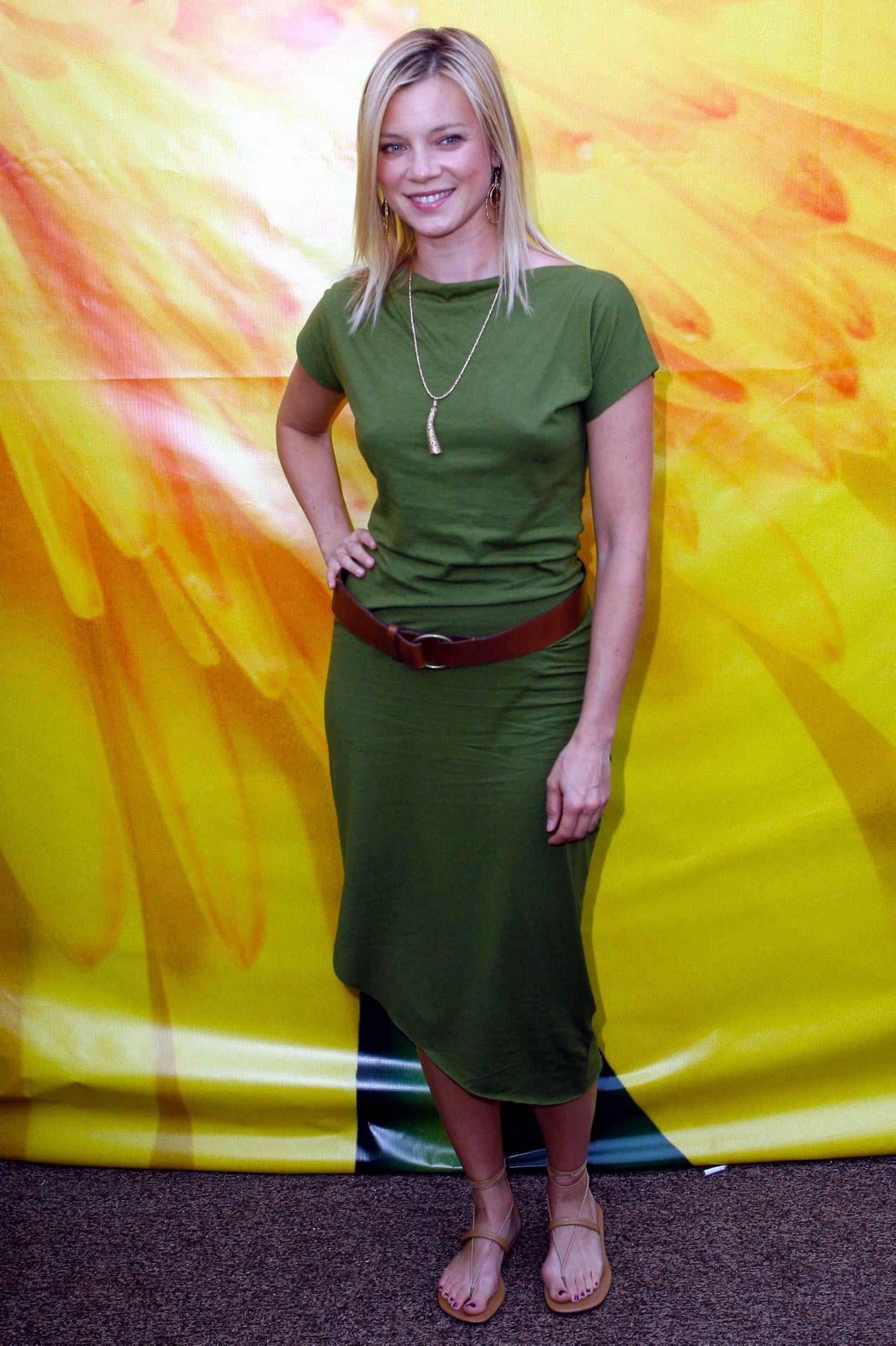 Young Amy Smart (1276×1917)   Amy smart, Amy, Shirt dress