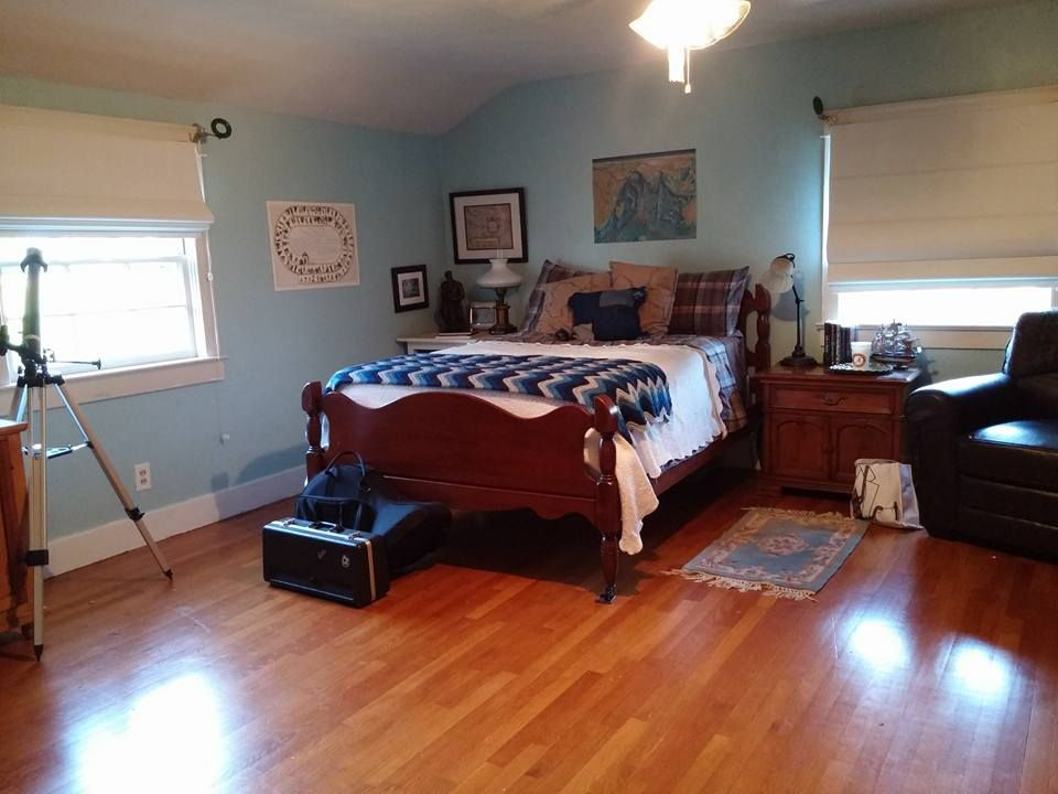 Drews bedroom paint color is sherwin williams watery