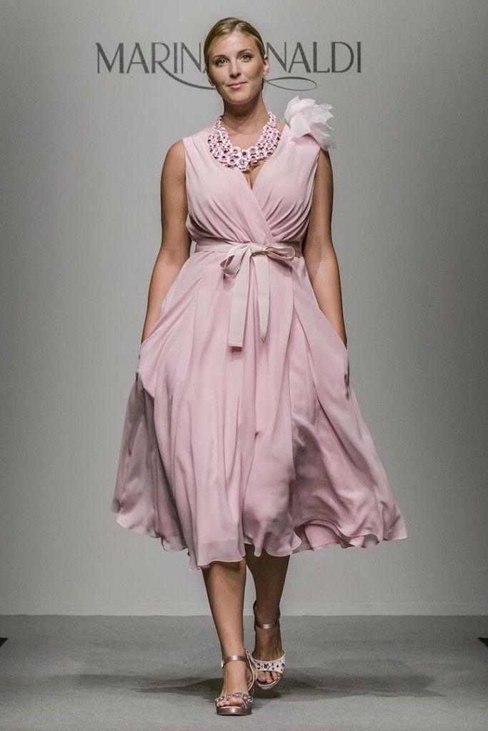 Curvy e fashion. Elegante per una cerimonia o un evento formale. Daniela  Salinas info danielasalinas.com 9683a195ba9