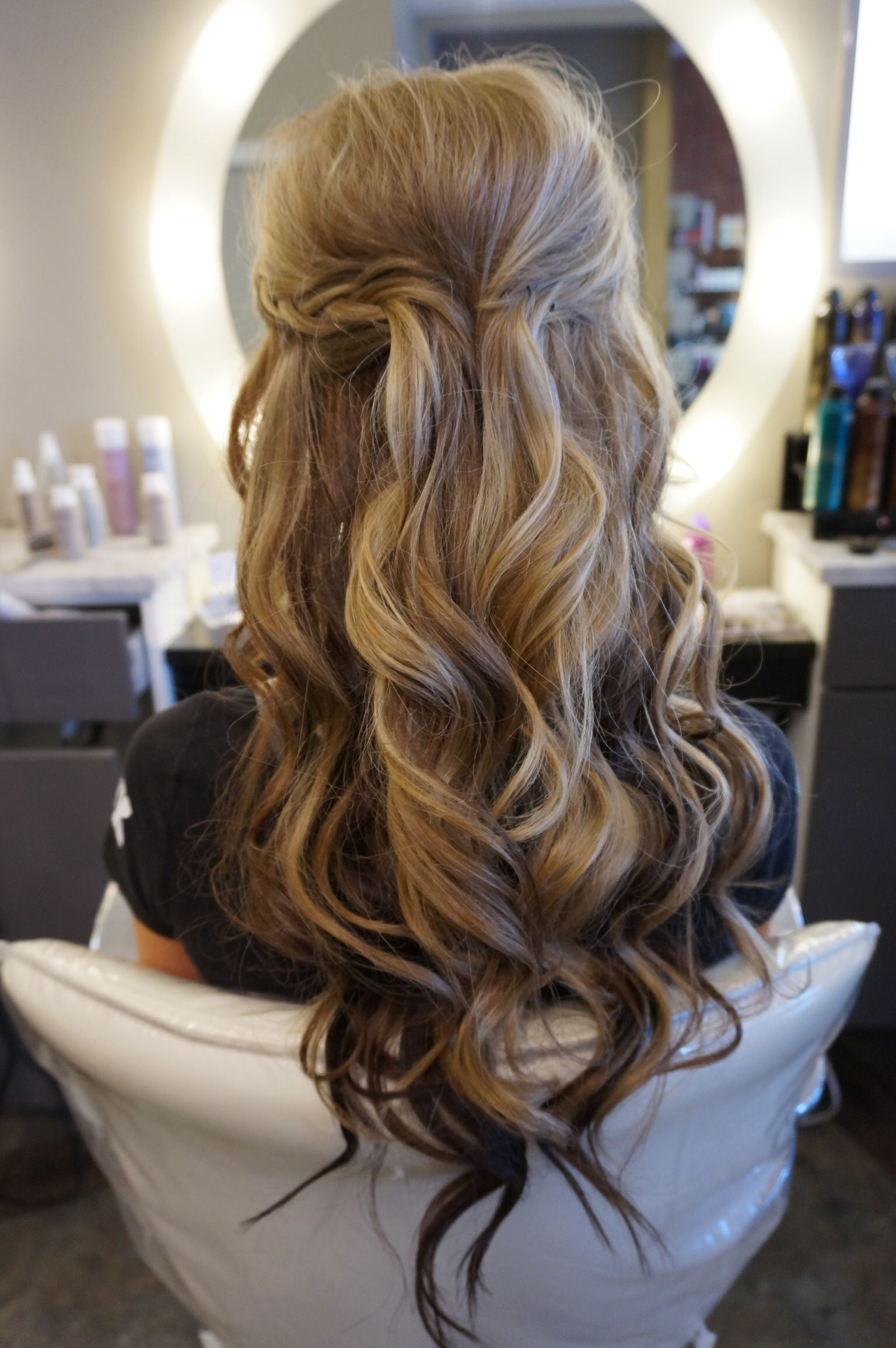 long hair with loose curls perfect half up half down style