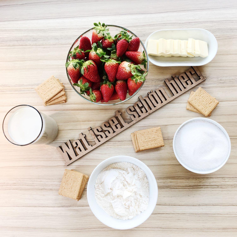 Rezept: Fühlingshafter Nachtisch aus Erdbeeren. Ab Frühling wird oft und gerne gegrillt. Ein leckeres Dessert aus süßen Erdbeeren, Milchcreme und Erdbeeren