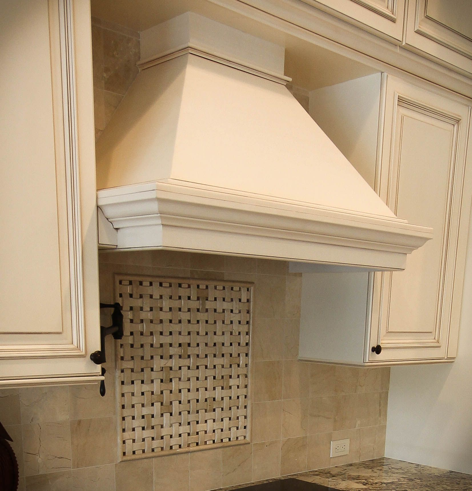 Kitchen Remodel Transitional Traditional White Cabinets Square Raised Panel Door Sty Kitchen Remodel Design Remodeling Renovation Italian Kitchen Decor