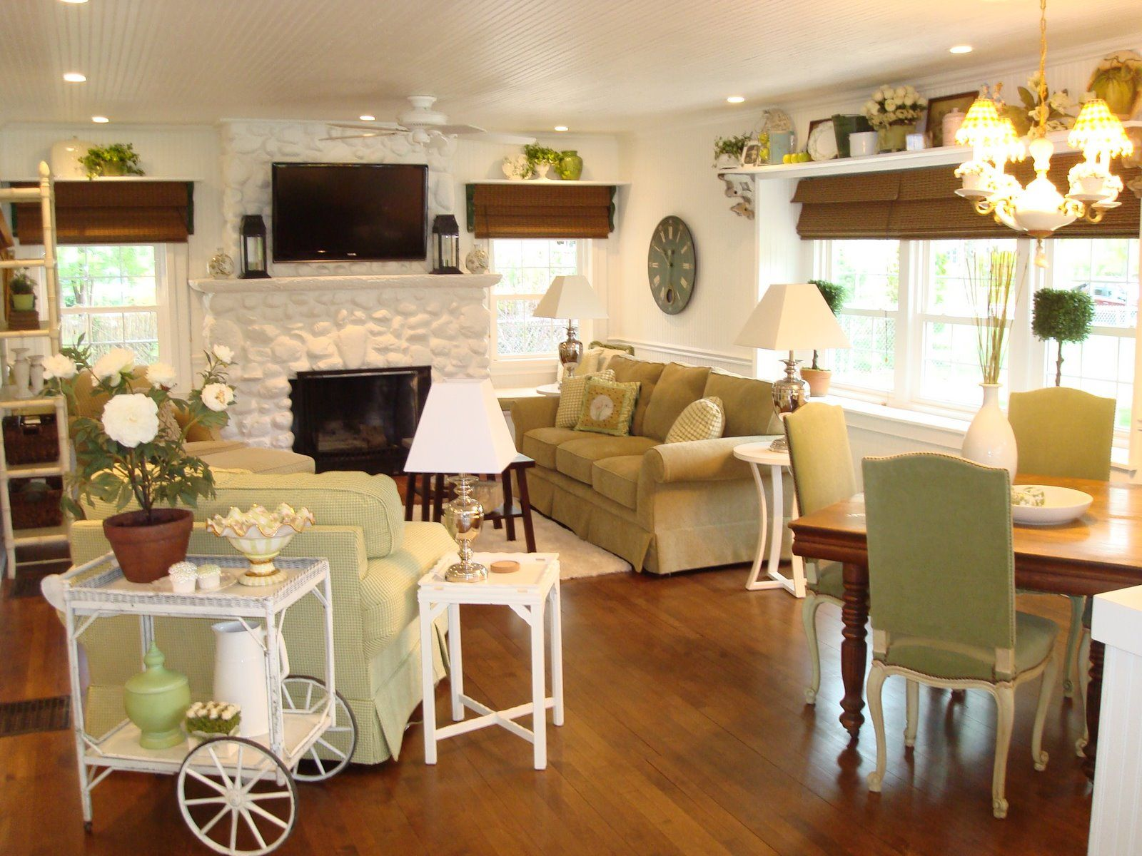 Stupendous Notice The Painted River Rock Fireplace Fireplace To Home Interior And Landscaping Mentranervesignezvosmurscom