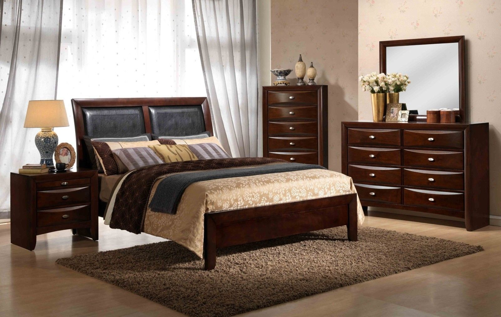 Roundhill Furniture Emily 111 Contemporary Wood Bedroom Set with Bed ...
