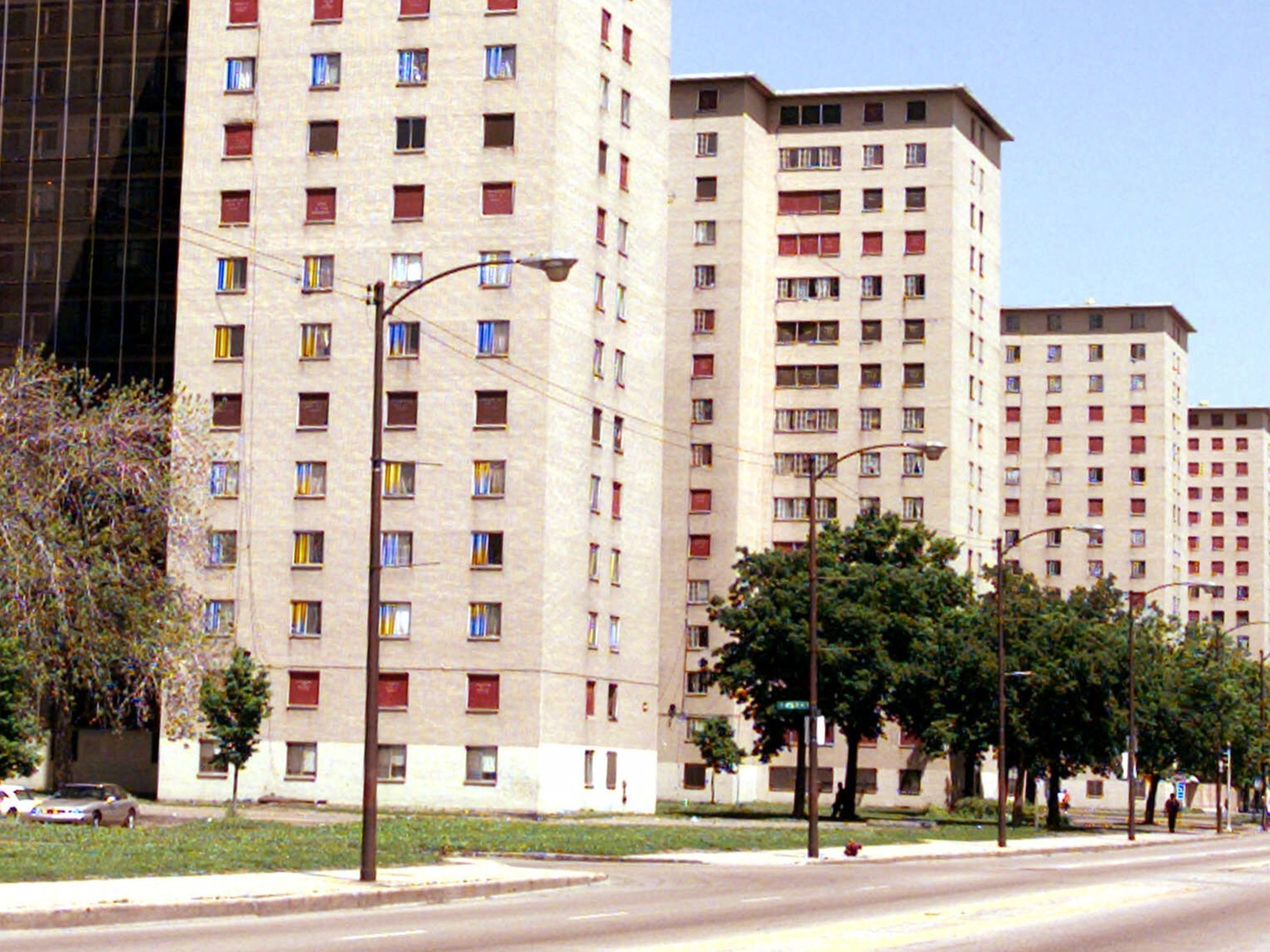 The Robert Taylor Homes In May 1999 Chicago Chicago History Chicago Neighborhoods