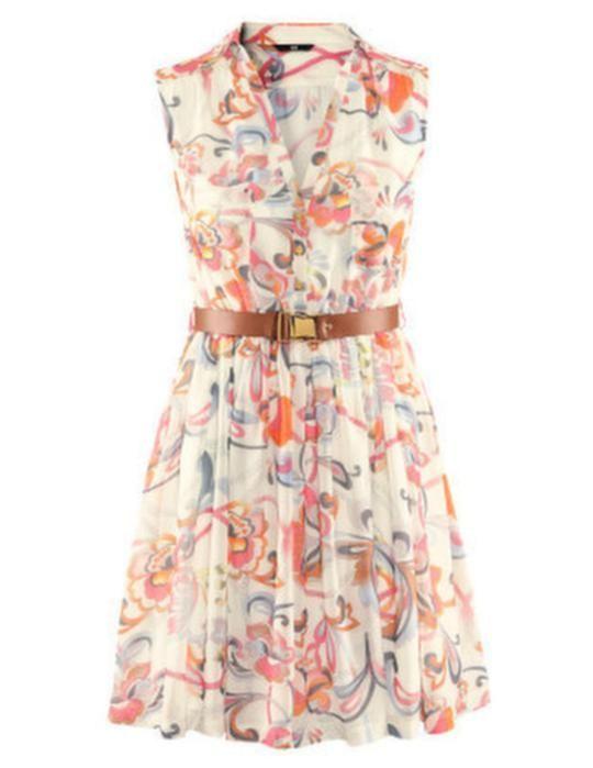 Knälång, ärmlös klänning i chiffong från , 299 kronor