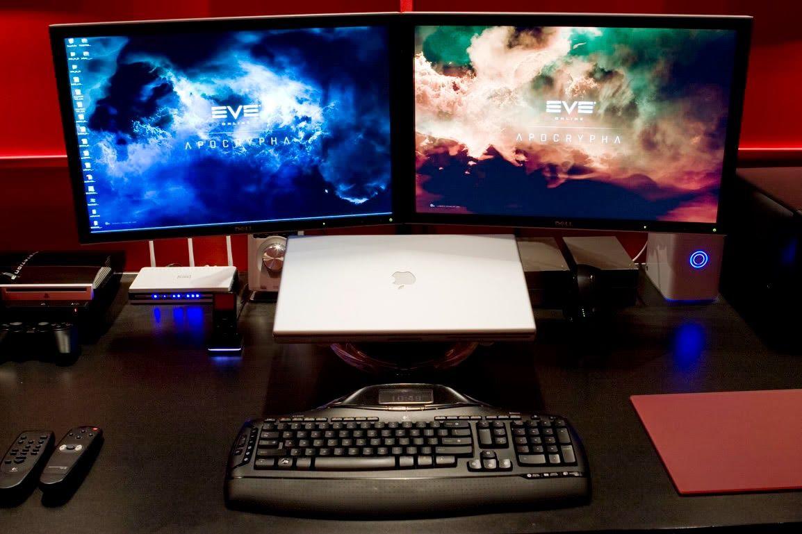 Home Office Dual Desk Setup: Hack 'n' Mods: Superhero Dual Monitor Mac Desk Setup