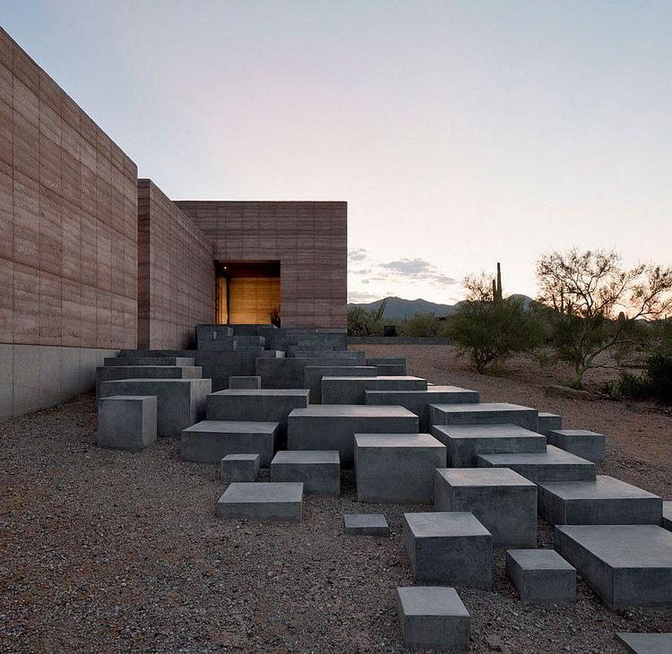 Tucson Mountain Retreat By Dust Homeadore Escalier Exterieur Architecture Exterieur Architecture Minimaliste