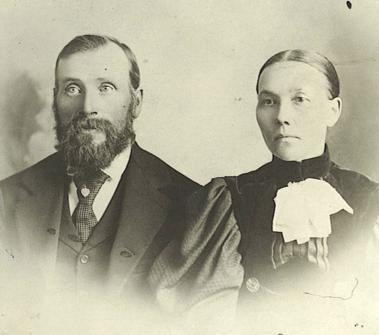Hans Troftgruben And His Wife Kristina Sannerud From Nord Odal Norway In 2020 Vintage Photos Photo Historical Figures
