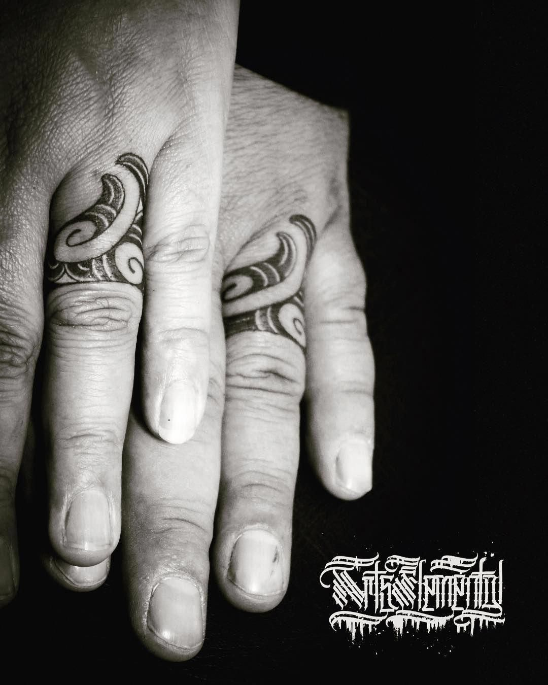 Maori Ring Tattoo: Maori Tattoos Band #Maoritattoos #Polynesiantattoos