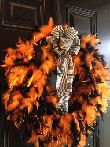 Feather boa wreath Halloween Pinterest Feather boas, Wreaths