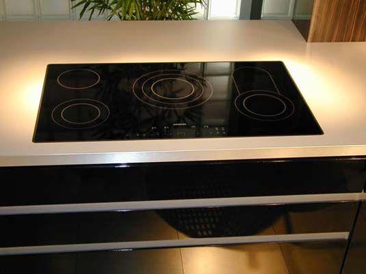 Kochfeld flächenbündig Natursteinarbeitsplatte Küche Pinterest - naturstein arbeitsplatte küche
