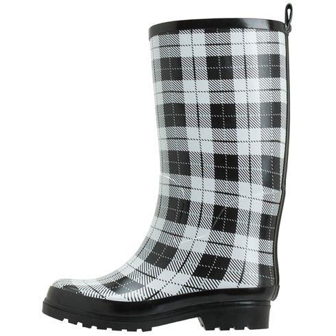 00646834a0e Because everyone needs rainboots and who doesn't love plaid ...