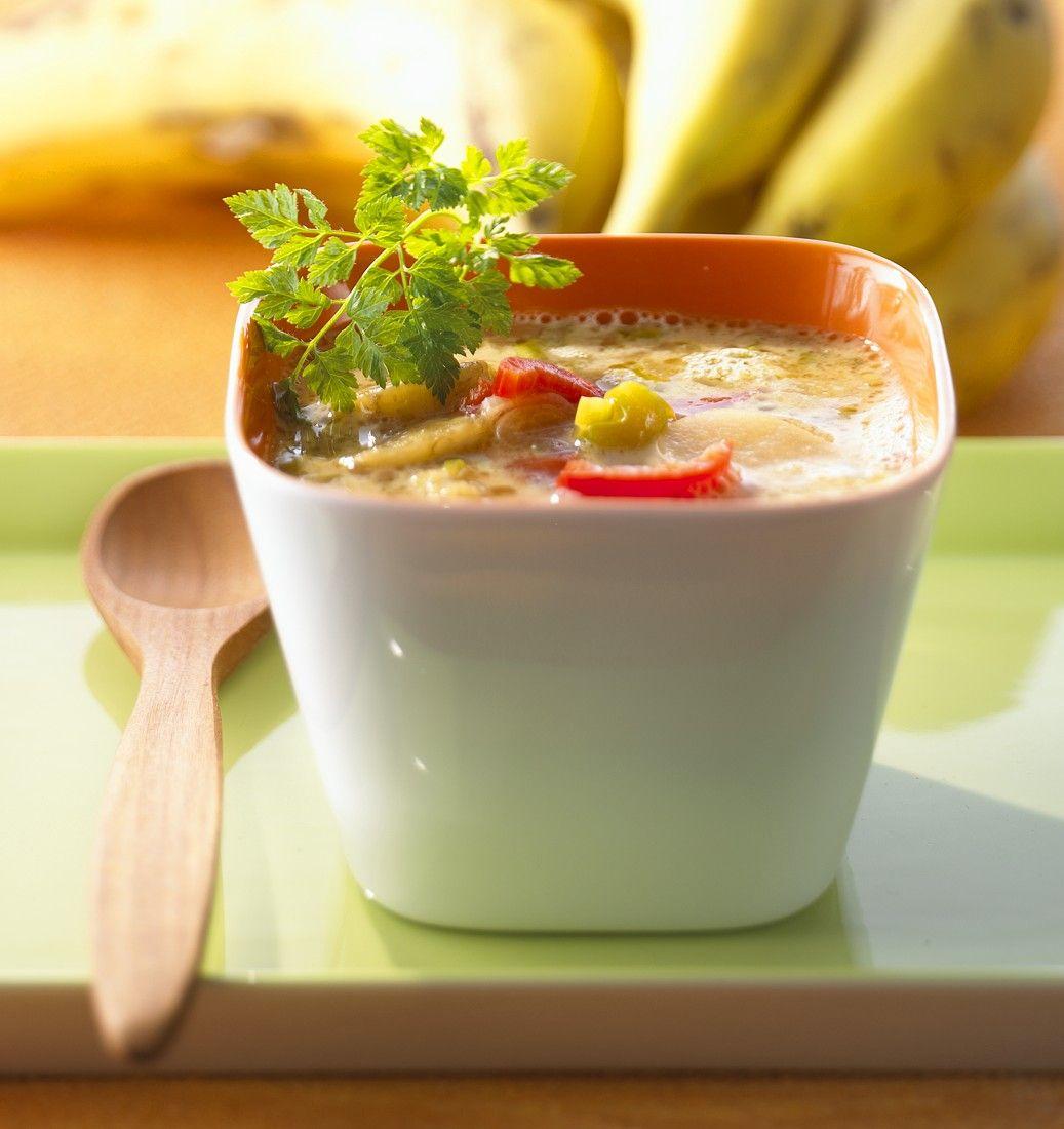 Kokossuppe mit Bananen | Zeit: 25 Min. | http://eatsmarter.de/rezepte/kokossuppe-mit-bananen