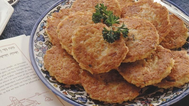Create classic potato pancakes with traditional ingredients and preparation.