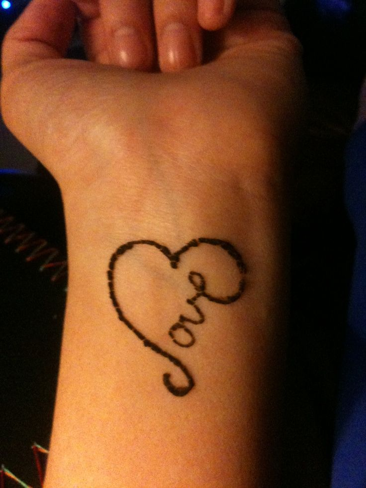 25 Simple Wrist Henna Tattoos: Image Result For Small Heart Tattoes