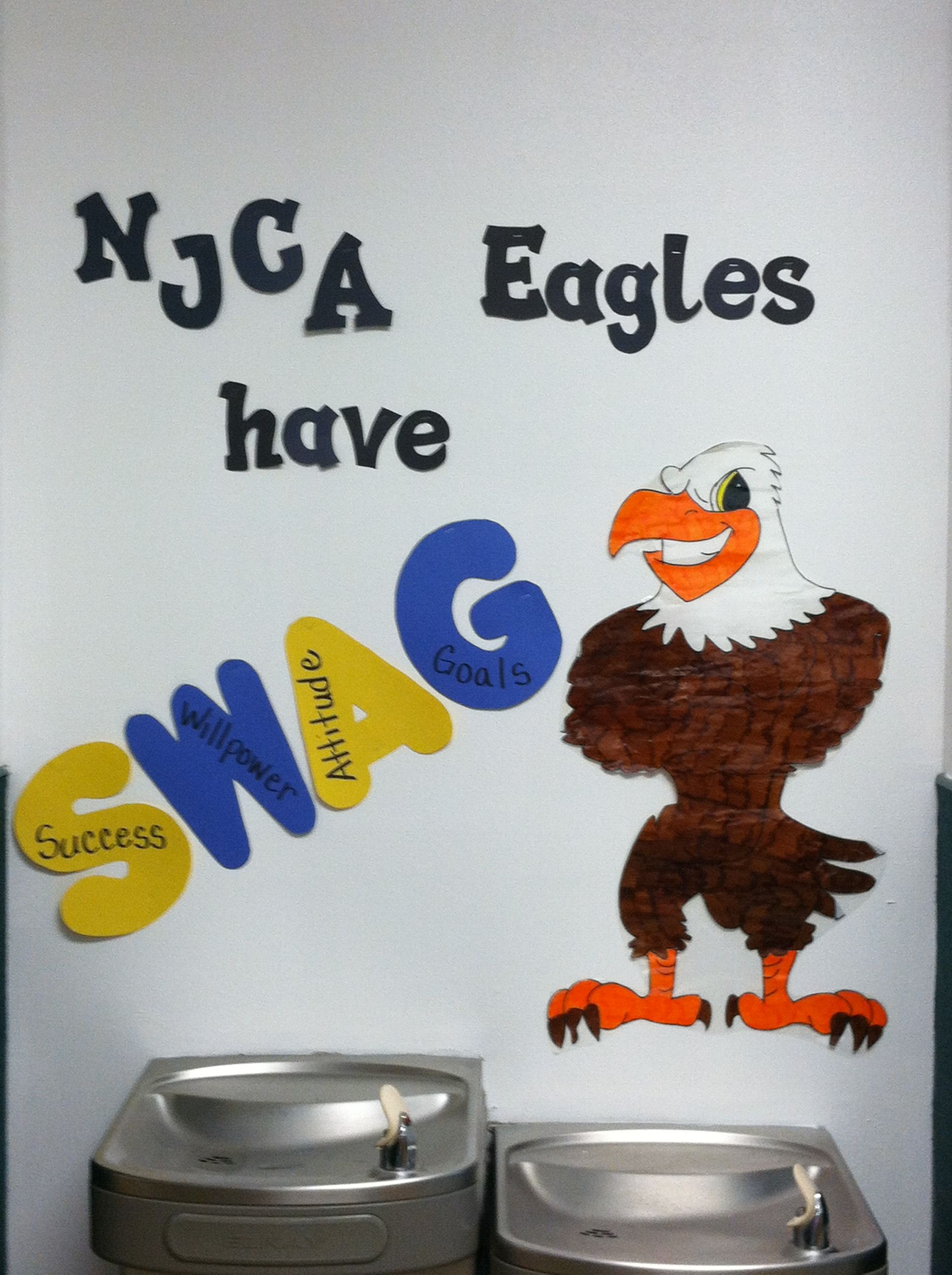 Hallway Bulletin Board... Eagles mascot | Monkeying Around in 1st ...