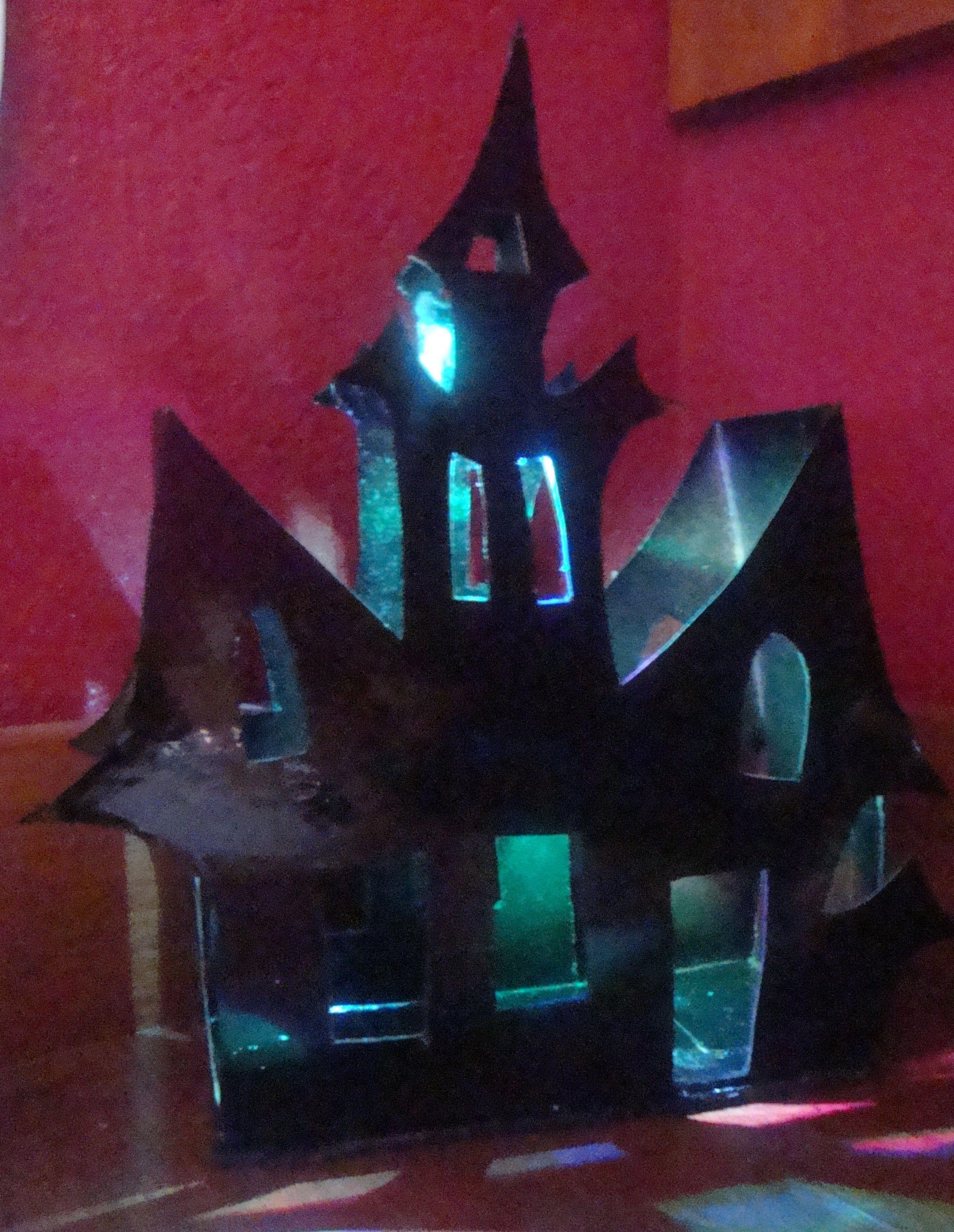 Castillo terror hecha con cajas de cereales y led multicolor www ...