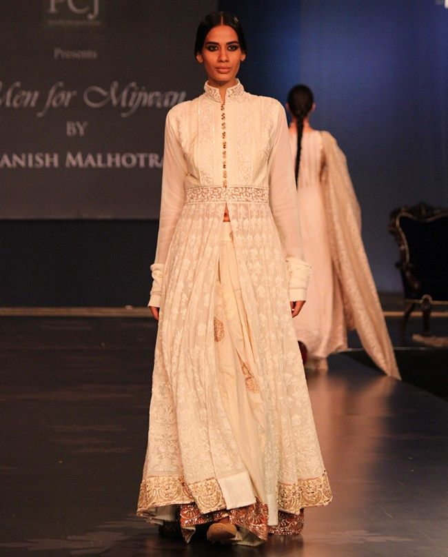 11e77462d7a898 Pin by Kaajal on Chikankari chic