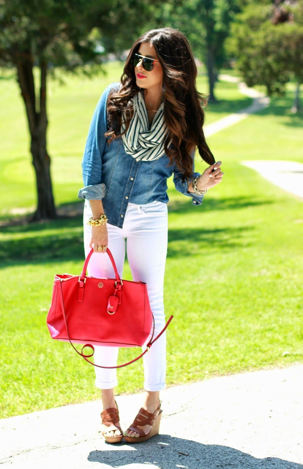 Outfit ideas. Denim shirt. White jeans. Red bag. Infinity scarf ...