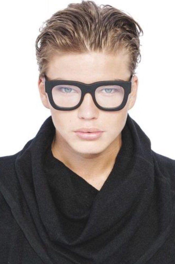 beed1ffe0c OPTICAL PARASITOS by Valley Eyewear. Encuentra este Pin y muchos más en Valley  Eyewear