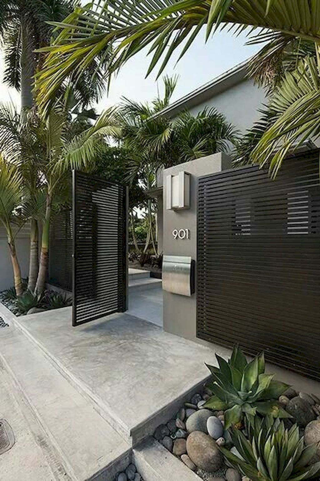 Awesome 80 Simple And Fresh Front Yard Landscaping Ideas Https Decorapatio Com 2017 07 12 80 Si Modern Fence Design Entrance Gates Design Modern House Design